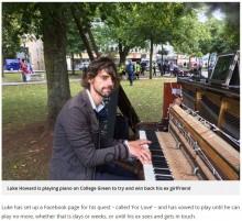 【海外発!Breaking News】別れた彼女と「ヨリを戻したい」 ピアノを弾き続ける男性に世間は呆れ(英)