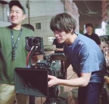 【エンタがビタミン♪】福士蒼汰がカメラマンに!? 『愛ある』現場での1コマが「かっこよすぎる」