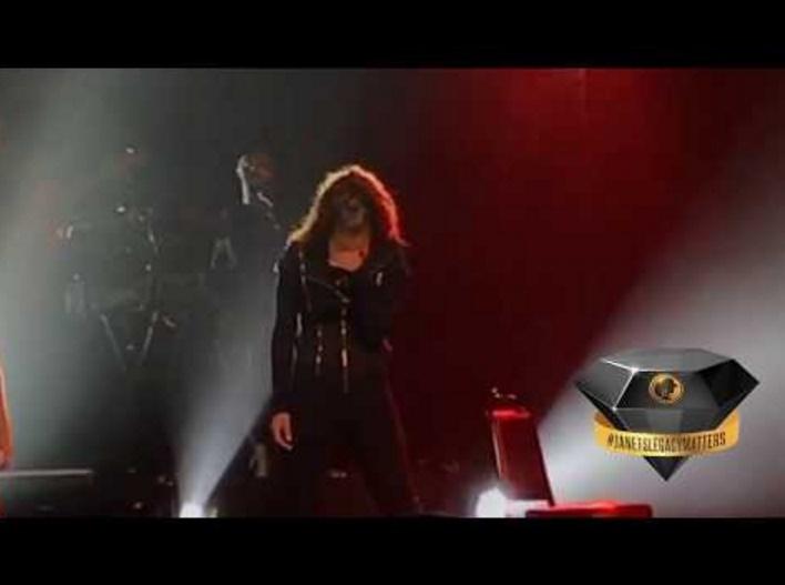 ジャネット・ジャクソン、DVが題材の曲で泣き崩れる(画像は『JanetJacksonLEGACY 2017年9月9日公開 YouTube「Janet Jackson   What About(LIVE)   State Of The World Tour」』のサムネイル)