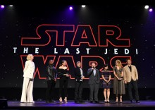 """【イタすぎるセレブ達】『スター・ウォーズ』最新作 最後のジェダイは「今のところ""""あの人""""」と監督"""