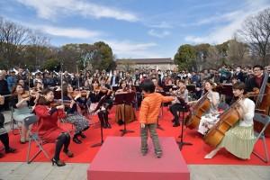誰でも指揮者になれる体験型イベント(2017年実施) 写真提供:東京・春・音楽祭実行委員会/撮影:青柳 聡