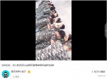 【海外発!Breaking News】中国で悪趣味な軍事訓練? 横たわった女子に男子が覆いかぶさって「腕立て伏せ」