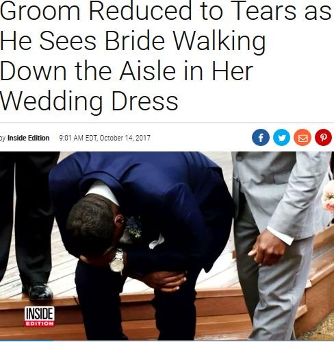 花婿は喜びのあまりに…(画像は『Inside Edition 2017年10月14日付「Groom Reduced to Tears as He Sees Bride Walking Down the Aisle in Her Wedding Dress」』のスクリーンショット)
