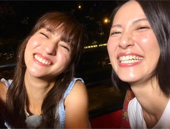 堀田茜と福田彩乃(画像は『福田彩乃 2017年10月10日付Instagram「シンガポールのお相手、堀田茜ちゃんでした」』のスクリーンショット)