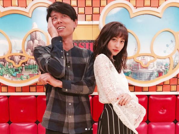 原田泰造と堀田茜(画像は『Akane Hotta / 堀田茜 2017年10月6日付Instagram「初めてのネプリーグ」』のスクリーンショット)