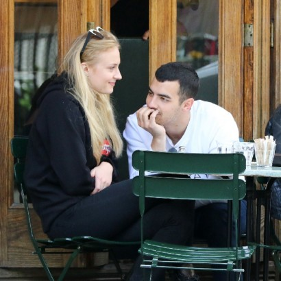 【イタすぎるセレブ達・番外編】ジョー・ジョナスが婚約 英出身の女優ソフィー・ターナーと
