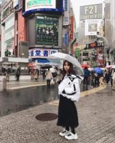【エンタがビタミン♪】小嶋陽菜 渋谷での私服ショットに驚く声「オーラ消してるんや!」