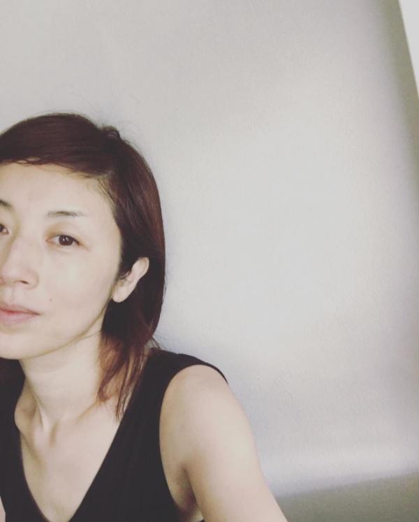 高岡早紀の「美肌」が注目集める(画像は『高岡早紀 2017年10月3日付Instagram「さて、本日はNHK「うたこん」生放送に出演するよ!」』のスクリーンショット)