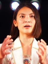 【エンタがビタミン♪】秋元才加、ドゥテルテ大統領を迎えた首相公邸晩餐会に参加「フィリピンと日本の架け橋になれますよう…」