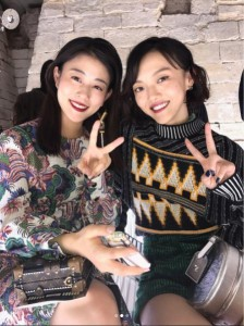 高畑充希と福島リラ(画像は『高畑充希 2017年10月4日付Instagram「#LVSS18 @louisvuitton @nicolasghesquiere」』のスクリーンショット)