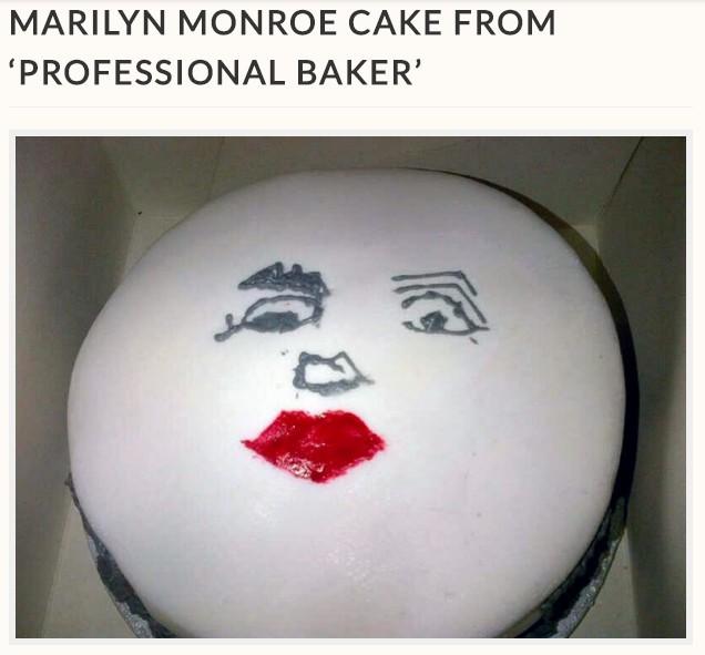 マリリン・モンローの顔をリクエストしたはずが…(画像は『StoryTrender 2017年11月27日付「MARILYN MONSTROSITY! CAKE FAIL AFTER WOMAN WHO ASKED FOR MARILYN MONROE CAKE FROM 'PROFESSIONAL BAKER'」』のスクリーンショット)