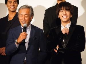 岩城滉一から「かわいい~」と言われて笑う岩田剛典