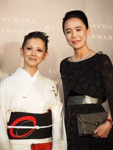 河瀨直美氏と夏木マリ 「BVLGARI AVRORA AWARDS 2017」ゴールデンカーペットセレモニー
