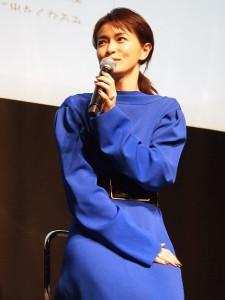 トークショーに登場した長谷川京子