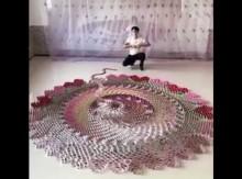 【海外発!Breaking News】芸術性バツクン トランプによる感動的なドミノ倒し動画(中国)