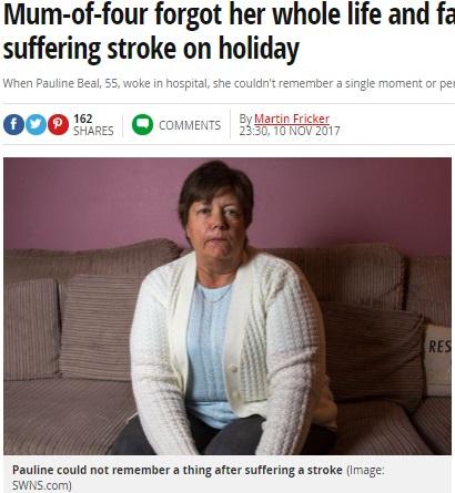記憶喪失に陥った4児の母(画像は『Mirror 2017年11月10日付「Mum-of-four forgot her whole life and family after suffering stroke on holiday」(Image: SWNS.com)』のスクリーンショット)