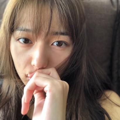 【エンタがビタミン♪】川口春奈のセルフィーに心配の声「やつれすぎじゃないですか?」
