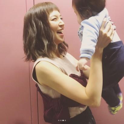 【エンタがビタミン♪】安田美沙子、オン眉にしてご機嫌 6か月の息子と仕事帰りにイタリアンへ