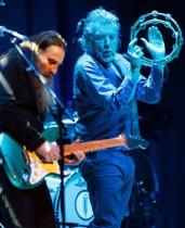 【イタすぎるセレブ達】元レッド・ツェッペリンのロバート・プラント69歳 今もステージで熱唱