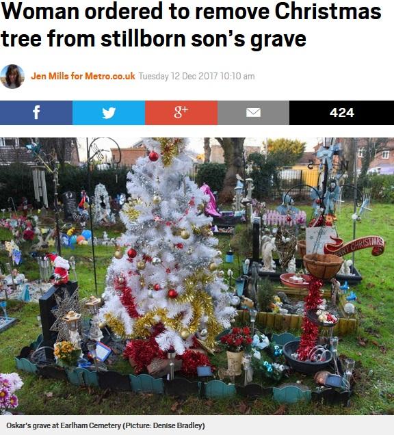 亡き息子のお墓にクリスマスツリーを飾ったものの…(画像は『Metro 2017年12月12日付「Woman ordered to remove Christmas tree from stillborn son's grave」(Picture: Denise Bradley)』のスクリーンショット)