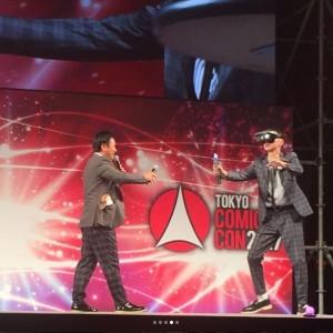 川島章良と金田哲(画像は『はんにゃ 川島章良 2017年12月1日付Instagram「レノボスターウォーズ ジェダイ・チャレンジのイベント。」』のスクリーンショット)