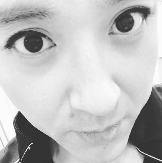 ムロツヨシ、あの美人女優に似てる?(画像は『ムロツヨシ 2017年12月15日付Instagram「このメイクをすると、インスタに載せたくなるの、」』のスクリーンショット)