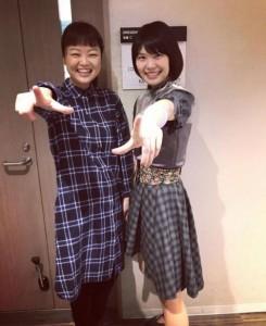 弓木英梨乃とMegu(画像は『ぽんちゃさん 2017年12月6日付Instagram「弓木ちゃん」』のスクリーンショット)