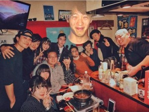 内田理央が投稿、『仮面ライダードライブ』忘年会の画像(画像は『内田理央 2017年12月31日付Instagram「いつでも見守ってくれてるたけりょう」』のスクリーンショット)