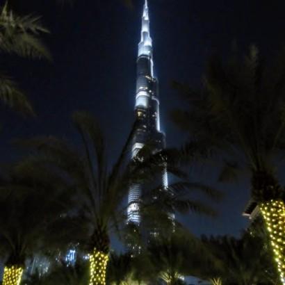 【ドバイ紀行その3】圧倒的存在感を誇る天空の塔「バージ・カリファ」 世界最大のショッピングモールは東京ドーム24個分!