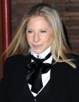 【イタすぎるセレブ達】バーブラ・ストライサンドやナタリー・ポートマンも ゴールデングローブ賞授賞式で「女性監督の受賞が少なすぎる」