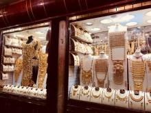 【ドバイ紀行その2】アラブの伝統料理に舌鼓 スーク(市場)で香辛料と金に感動! ドバイ第2位のカフェも!