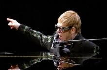 【イタすぎるセレブ達】エルトン・ジョン、9月から最後のツアーへ「3年間で約300回のショー」と発表