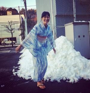 【エンタがビタミン♪】板谷由夏、極寒のなか浴衣撮影で満面の笑み 「さすがプロですね」