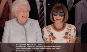 【イタすぎるセレブ達】エリザベス女王、ロンドン・ファッションウィークを最前列で楽しむ