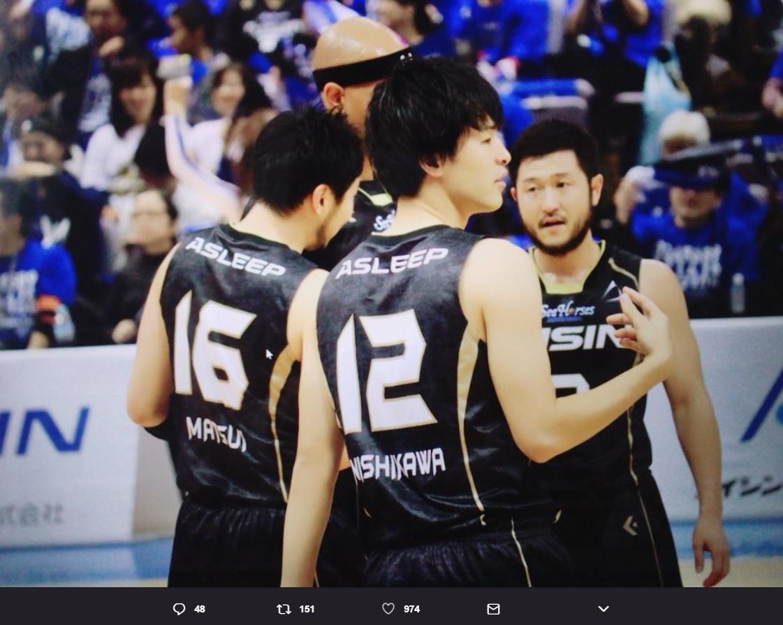 シーホース三河12番・西川貴之選手(画像は『高柳明音 2018年2月28日付Twitter「あひるの空アニメ化…!!」』のスクリーンショット)