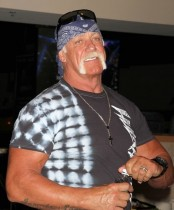 【イタすぎるセレブ達】ハルク・ホーガン(64)WWEに戻る決意 親友リック・フレアーに相談
