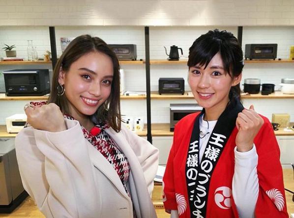 滝沢カレンと渡辺早織(画像は『滝沢カレン 2018年2月3日付Instagram「みなさん、おはようございます」』のスクリーンショット)