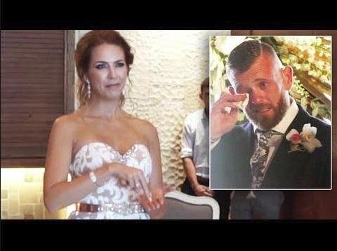 新婦によるサプライズの手話に涙する新郎(画像は『Inside Edition 2018年2月19日公開YouTube「Deaf Man Bursts Into Tears When Bride-To-Be Signs Wedding Song」』のサムネイル)