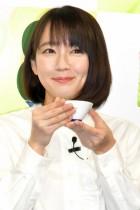 """【エンタがビタミン♪】吉岡里帆 """"はんなり""""笑顔で京都人らしく「お茶大好き」"""