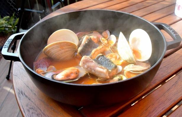 具材が大きい『魚介の旨みが凝縮! 贅沢イタリアンブイヤベース』GEMS茅場町「bon pesce」