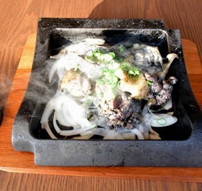 【ガチで食レポ!】「エロウマすぎる焼鳥!」口の中で踊る『名古屋コーチン炙り炭火焼き』に快感<動画あり>