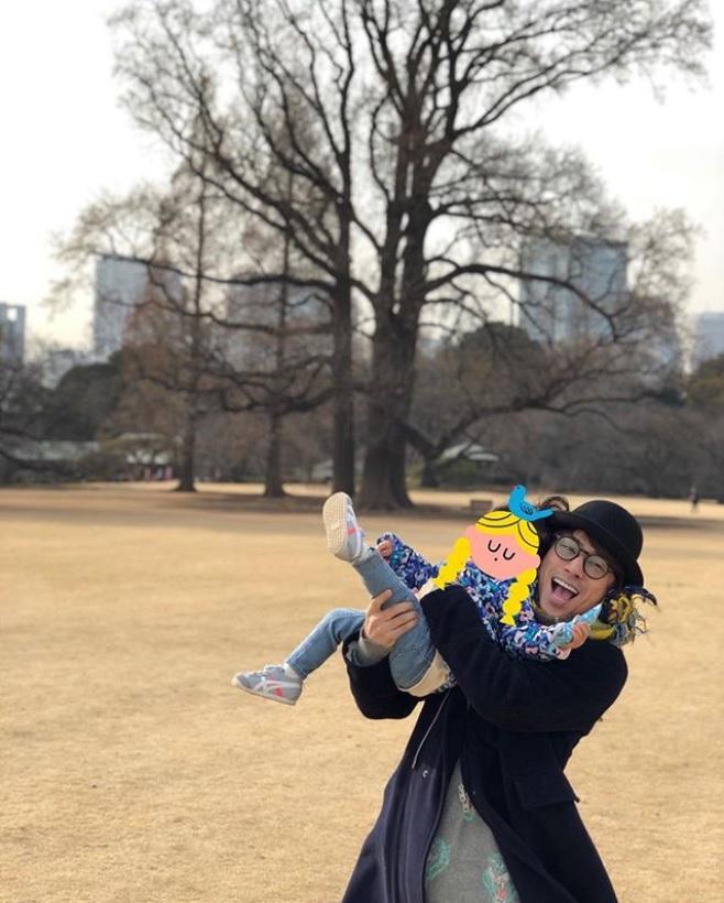 「ゆっくりとした時間が流れました」と田村淳(画像は『田村淳 2018年3月4日付Instagram「ポケモンを探しに来たぶりに新宿御苑に…好きな公園のひとつです。」』のスクリーンショット)