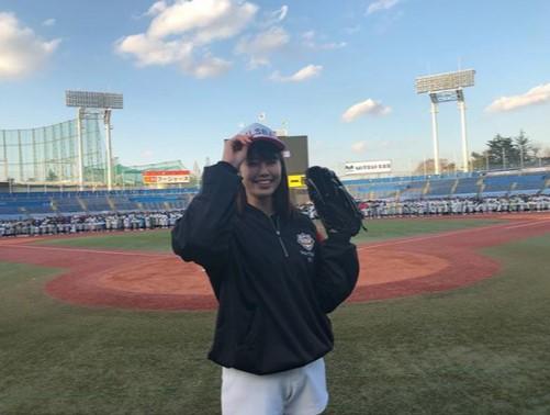 インスタには心配の声が多々(画像は『稲村亜美 2018年3月10日付Instagram「関東リトルシニア開会式の始球式をさせていただきました!!!」』のスクリーンショット)