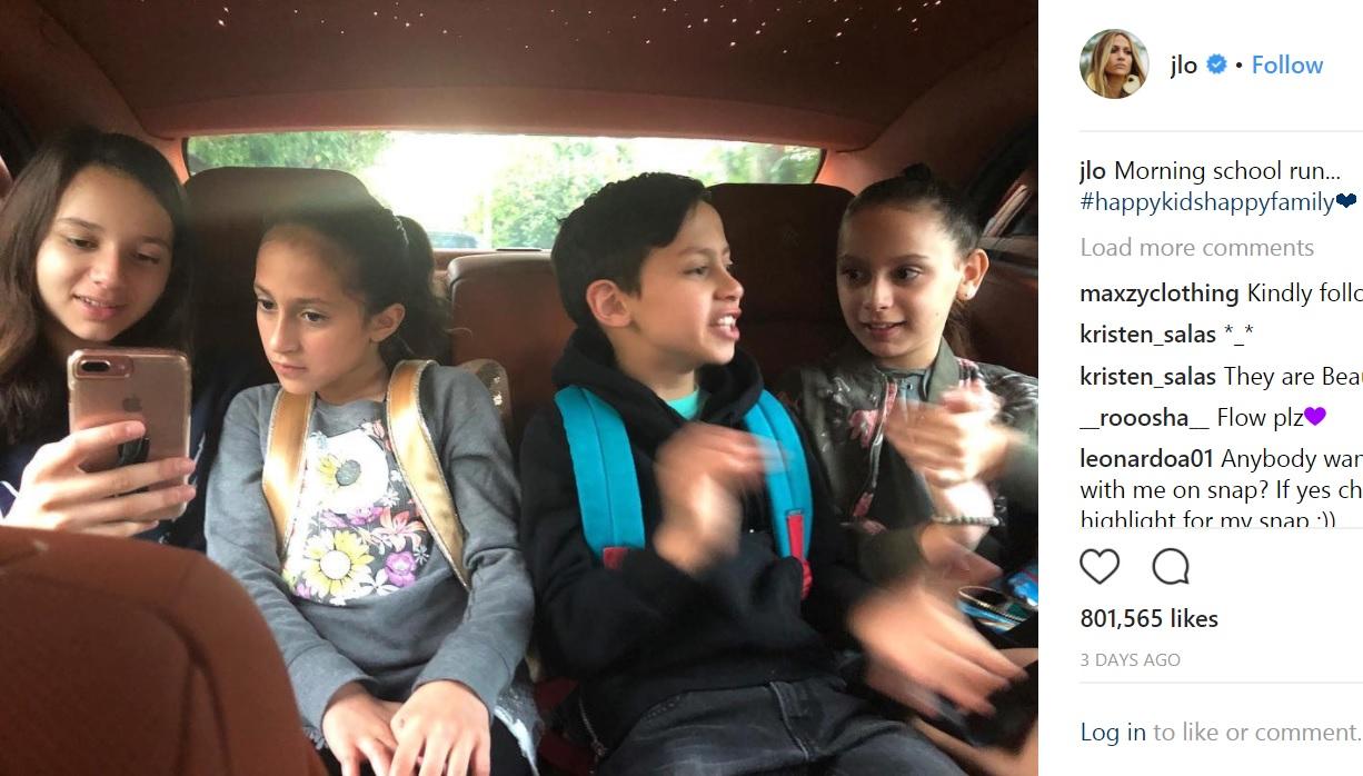 お互いの子供達もすっかり意気投合(画像は『Jennifer Lopez 2018年3月16日付Instagram「Morning school run... #happykidshappyfamily」』のスクリーンショット)