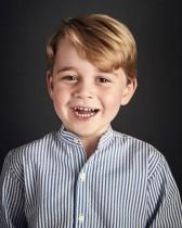 """【イタすぎるセレブ達】英ジョージ王子4歳、将来の夢は""""おまわりさん""""?"""