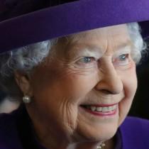 【イタすぎるセレブ達】英エリザベス女王に「酒豪」の噂 過去には酔った勢いでカミラ夫人批判も?