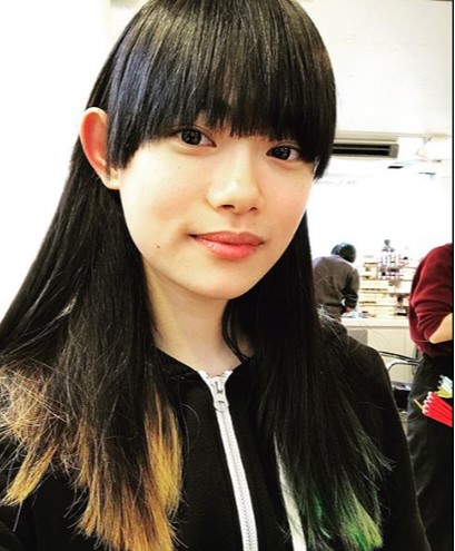 この写真に「一瞬菅田将暉かと」の声(画像は『杉咲花 2018年3月12日付Instagram「本日発売の雑誌「GINZA」にて。」』のスクリーンショット)