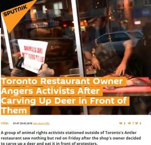 【海外発!Breaking News】ヴィーガンの店頭デモに激怒の肉料理店、窓際でシカ肉をぶった切る(カナダ)