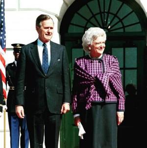 【イタすぎるセレブ達・番外編】ブッシュ元米大統領夫人が死去 「治療断念」の発表から数日で