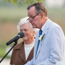 【イタすぎるセレブ達】ブッシュ元米大統領の亡き妻バーバラさんへ 孫の手紙に米国民が涙<動画あり>